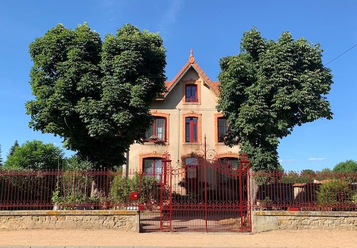 Art et Chambres d'Hôtes Cosy proche Clermont-Fd