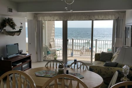 Oceanfront Condo Directly On Beach! - Mantoloking - Apartament