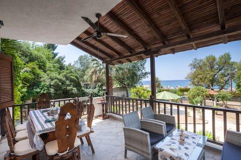 Luxury villa infront of the beach