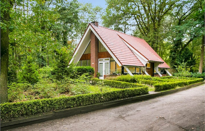 Holiday cottage with 3 bedrooms on 100m² in Meijel