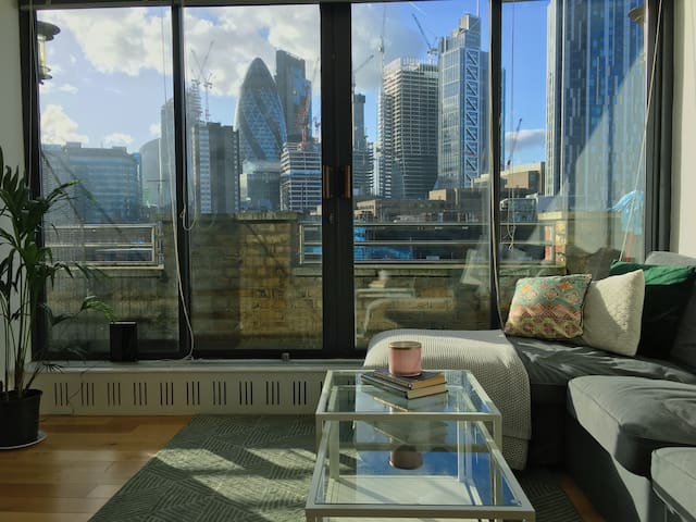 Heart of London: Spacious Double+ Private Bathroom