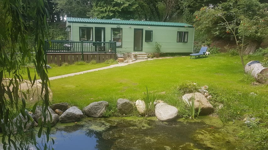 'Dolly's Dell'- Tranquil Stay with fishing.