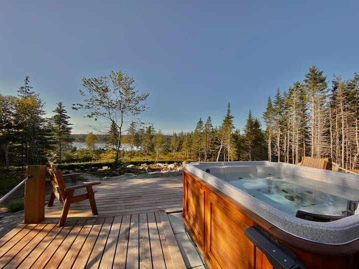 Luxurious Lake Cottage Bear- Outdoor Hot Tub/Sauna