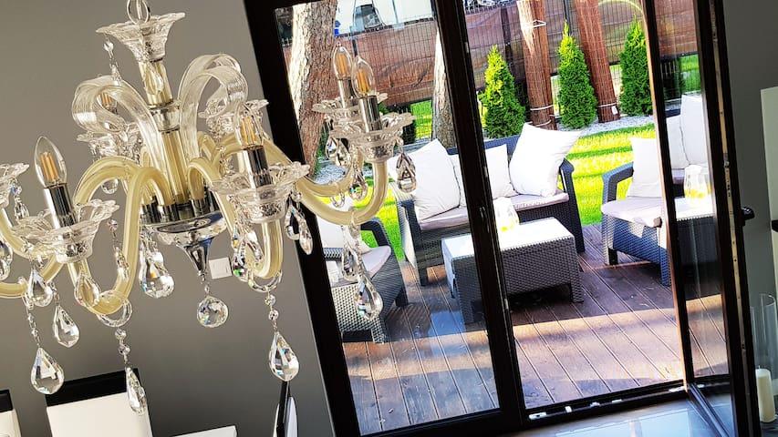 Leo Royal Luxury Home
