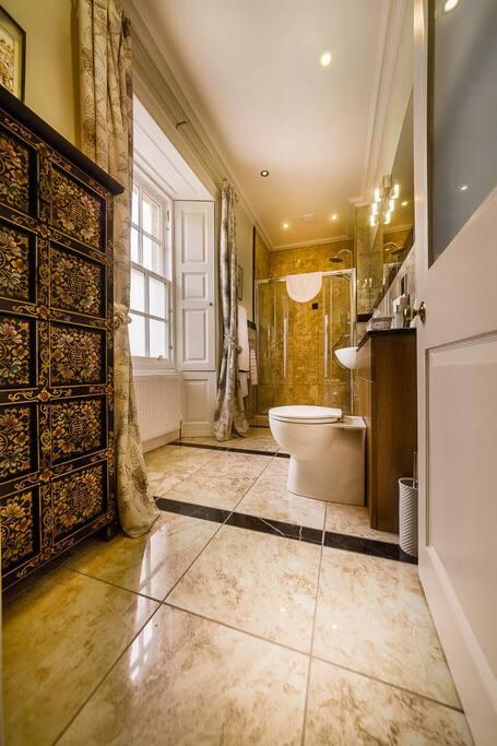 The Japanese Garden Room's en suite shower room