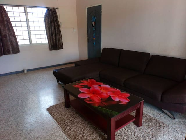 2 Bedroom House, Internet, TV, Fan or Air-con