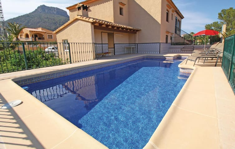 Holiday cottage with 5 bedrooms on 158 m²
