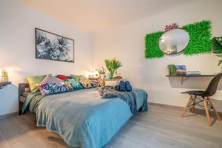 Green Garden & Parking apartments