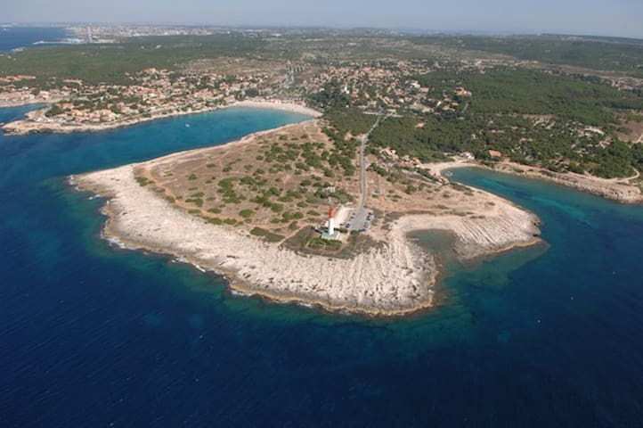 Bas de villa spacieux 4 pers 300m plage calme clim