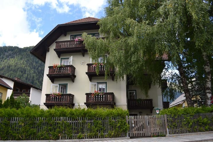 """ HAUS ROHSKOPF "" Appartment 1 - Mallnitz - Hospedaria"