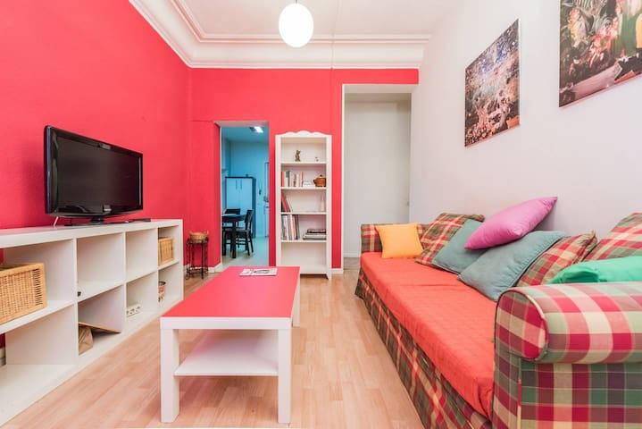 A 5 Star Comfy Room in Salamanca, Madrid