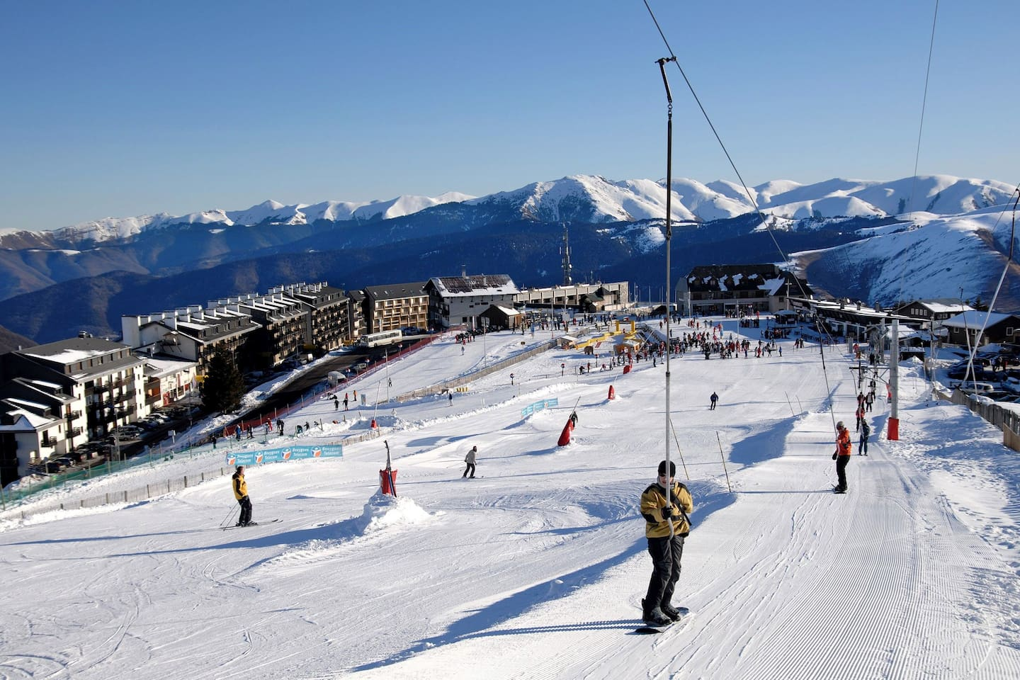 Experience fantastic skiing and snowboarding when you stay here!