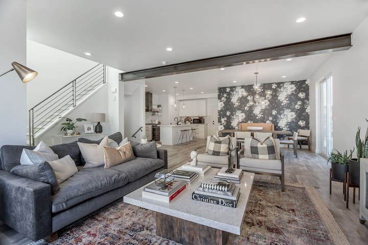 Brand New 3 Bed 2100 sf Luxury Flat