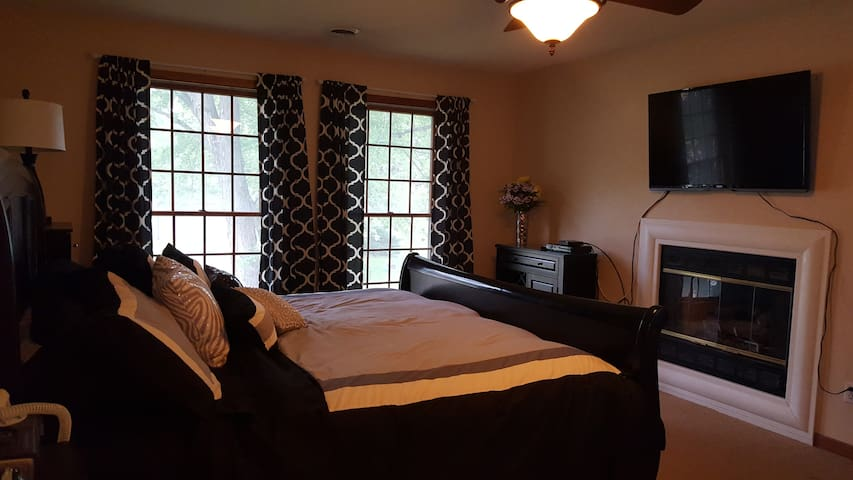 Fireplace jacuzzi suite