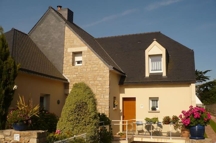 façade droite de la maison