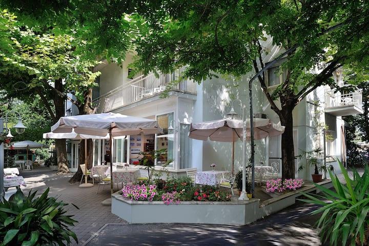 A little hotel in Rimini close to the beach