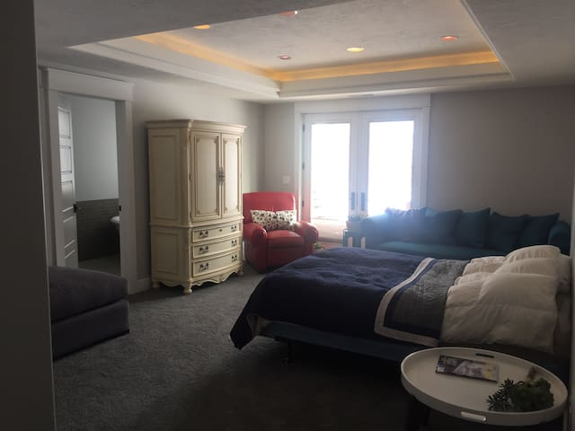 Beautiful spacious guest suite with separate entrance.