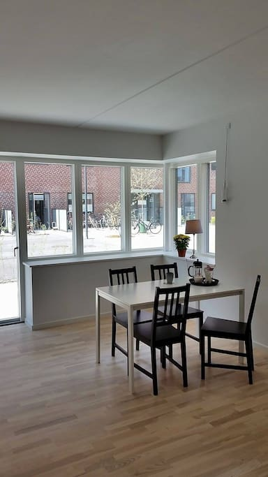 dinning room with door to the terasse