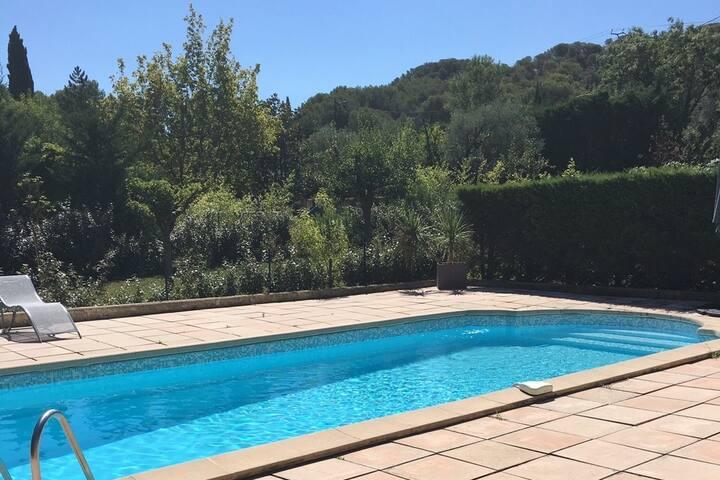 grande villa, piscine sécurisée, parc de 4000m² - Ventabren - Βίλα