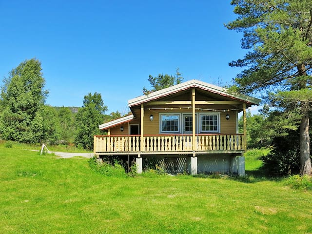 Fishing hut with terrace in Hellevik