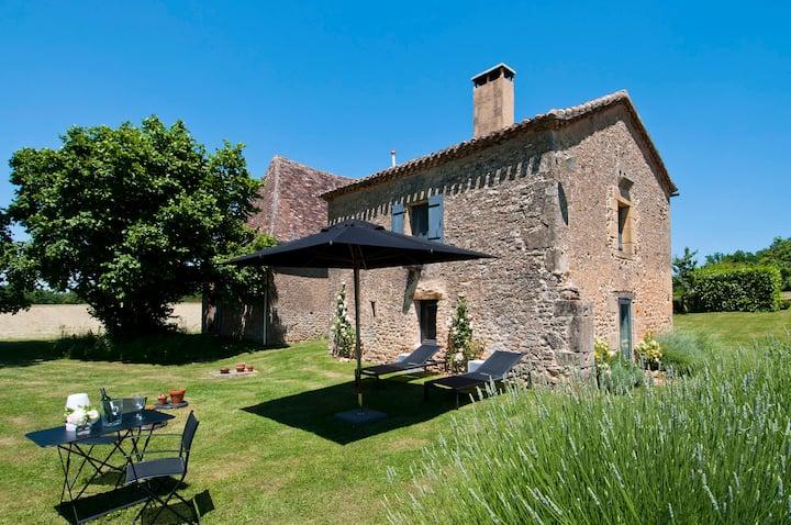 Le Mazet, a beautiful 4-star cottage & garden