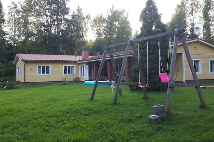 Большой загородный дом - Pyhtaa  - Rumah