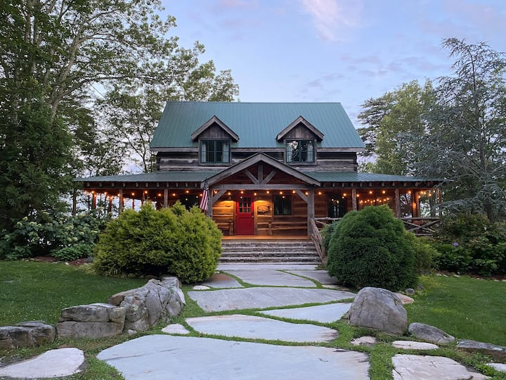 ALL LUXURIES Cabin45acre farm/Trout-Stocked Pond