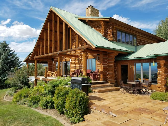 Destination- Bridger Mountains! Stunning MT Cabin - Belgrade - Cabin