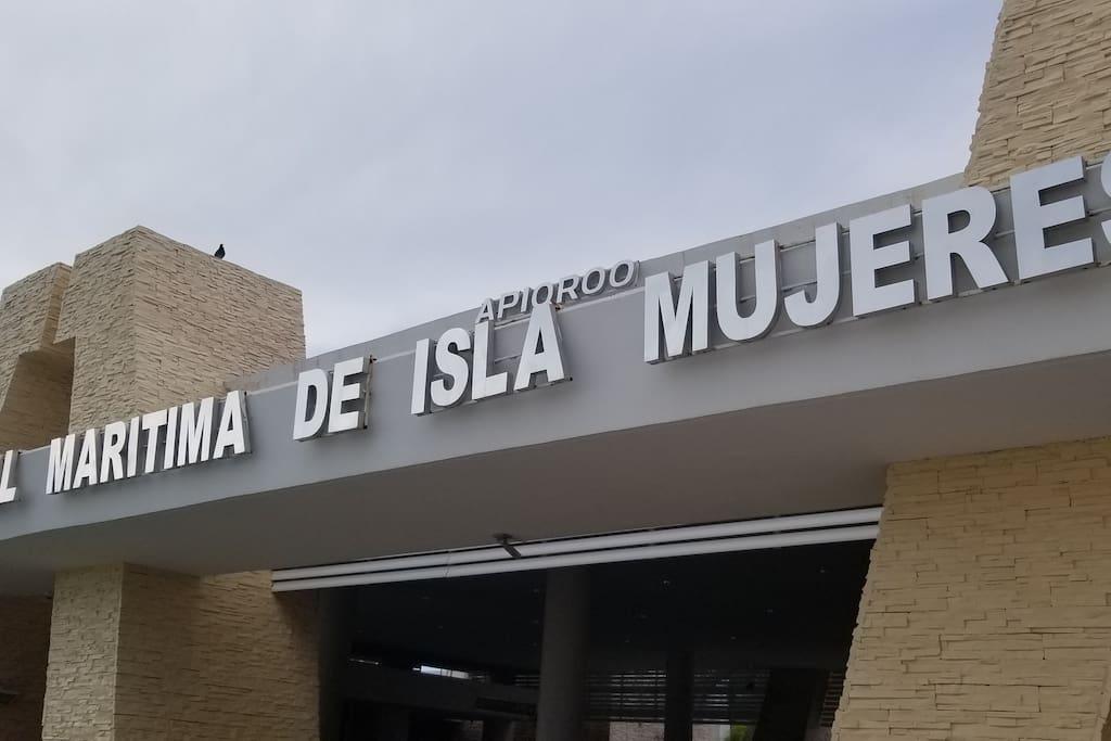 Isla Mujeres Port