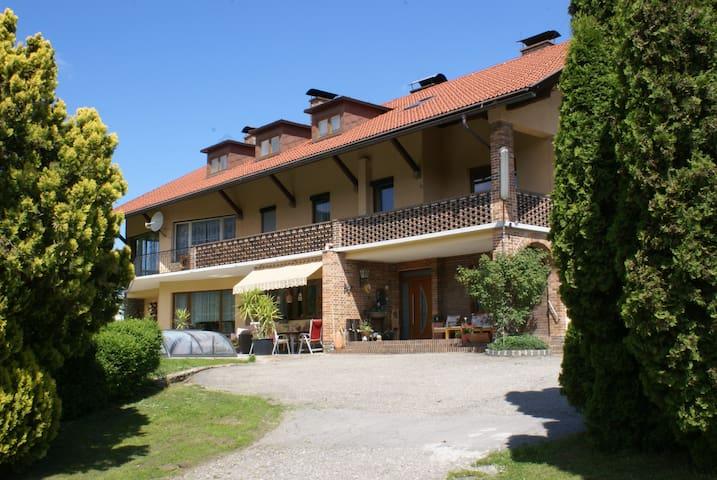 Apartment mit Balkon für 2 - 3 Personen - Lendorf