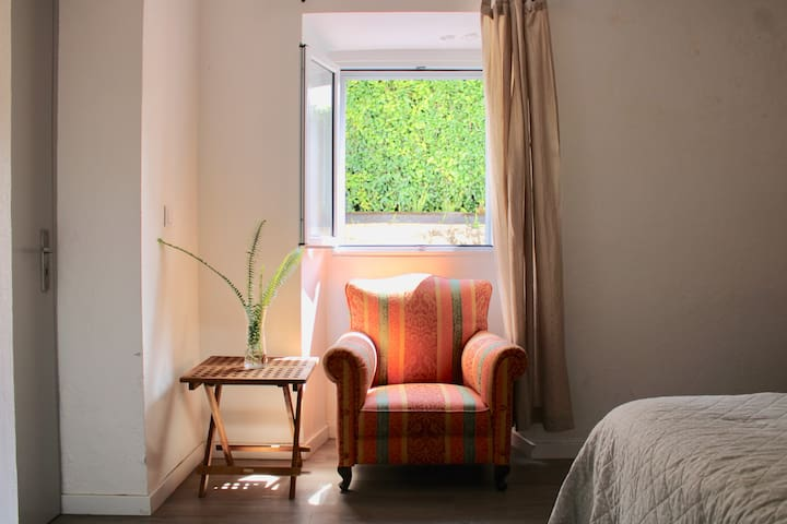 Room 1  Quarto 1