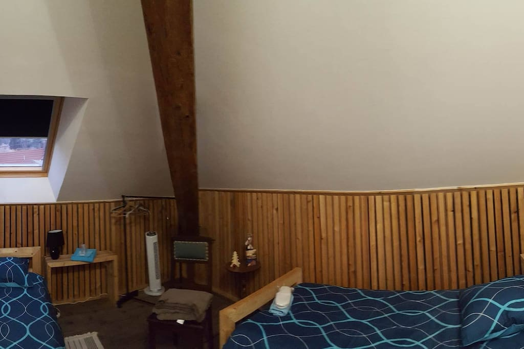 Chambre twin ou modifiable couple bed breakfasts for for Chambre a part couple