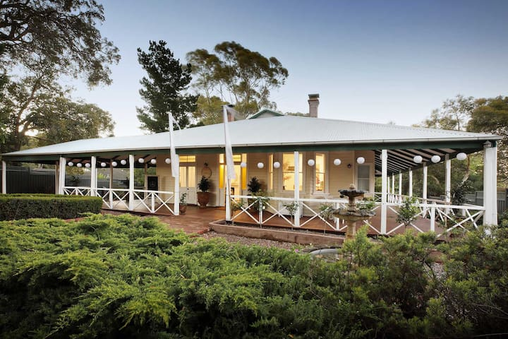Perth Hills Luxury Home 2-11 guests