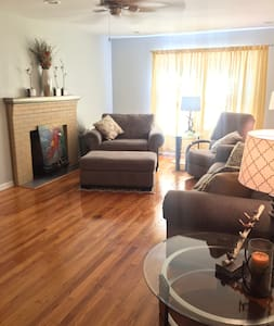 The Northport House - 3BR, 2BA Close to UA Campus - ノースポート - 一軒家