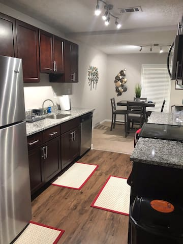 NICE 2 Bedroom Condo in Smyrna NEAR SUNTRUST PARK