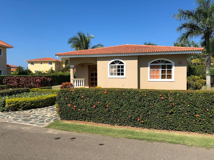 Villa 104 Residencial Hispaniola