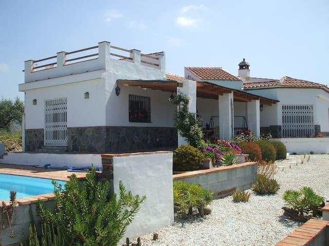 15 min to the beach! Mountain top Villa - Vélez-Málaga
