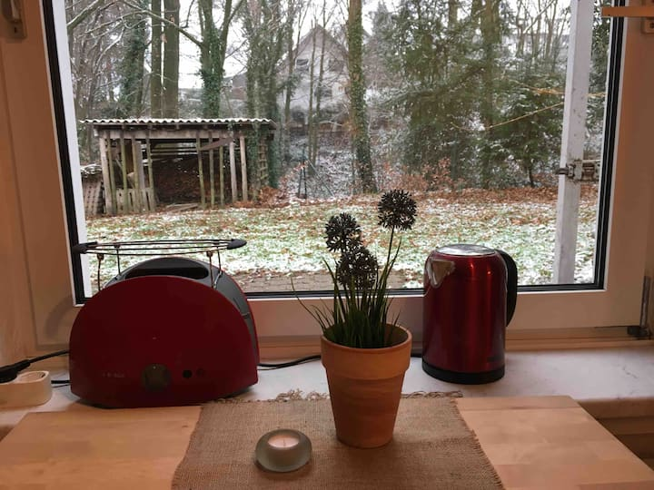 Guest Apartment near Cologne w tiny garden