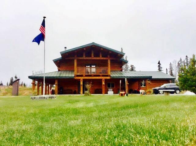 Alaska Eagle's Nest - Private Room