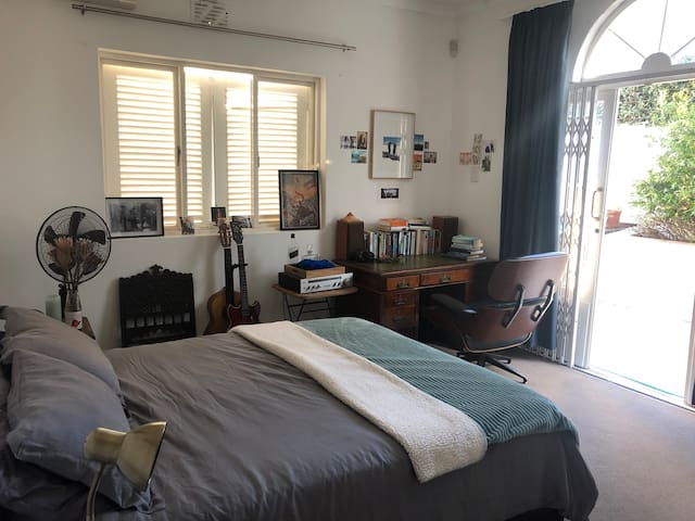 Lovely room in the heart of Cape Town