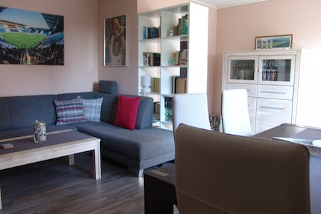 Cosy and comfortable apartment with balcony - Bünde - Appartement