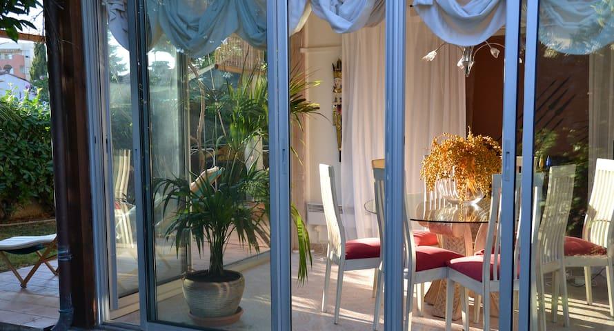 Antibes Garden Beach House - Antibes - Rumah