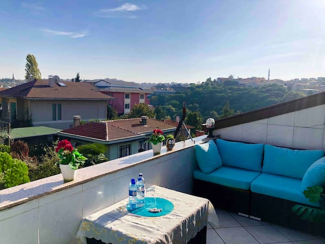 luxe guests suite with terrace + view of Istanbul