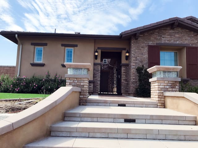 Etiwanda private casita w pool/spa - Rancho Cucamonga - Hus