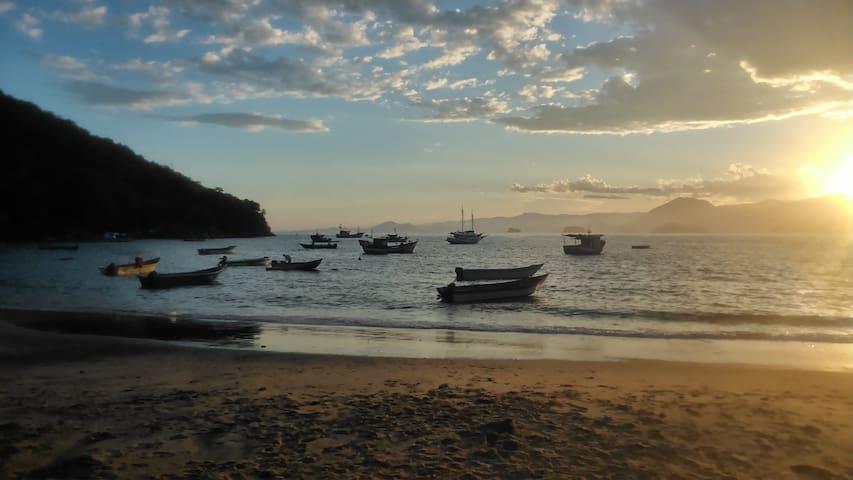 Sobradinho Picinguaba, pé na areia - Picinguaba - Talo