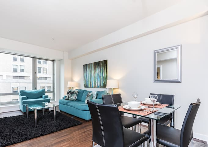`Luxurious 1-Bedroom West End Apartment!