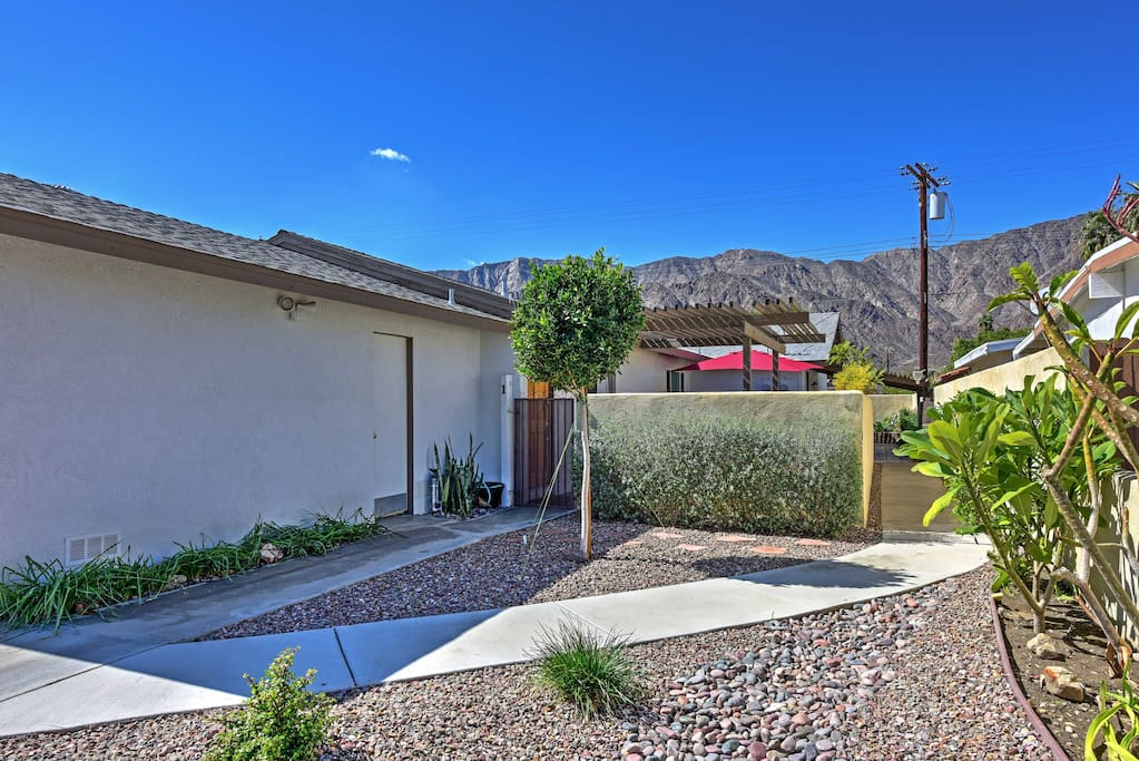Close to golfing, hiking and festival grounds, this unit is in an ideal location!
