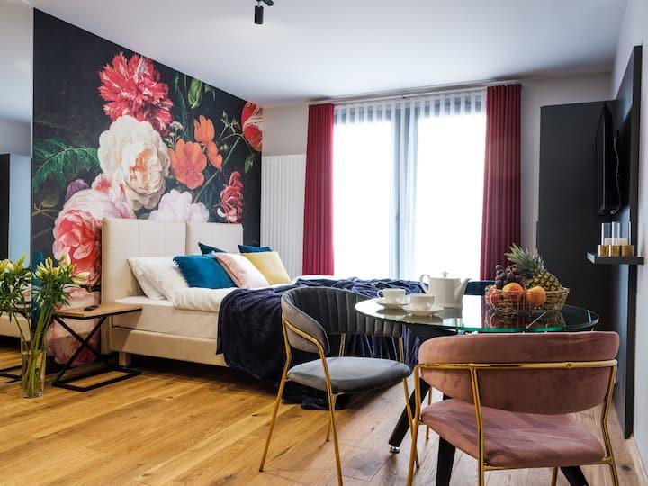NEW! Superior Studio Apartment -Old Jewish Quarter