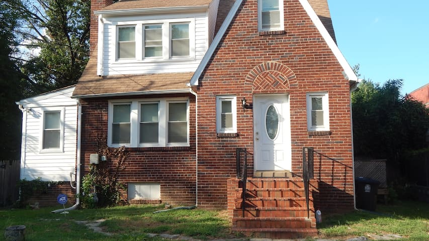 Home Away From Home - Suitland-Silver Hill - Casa
