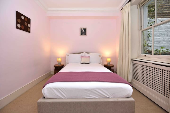 Cosy room in Pimlico Westminster